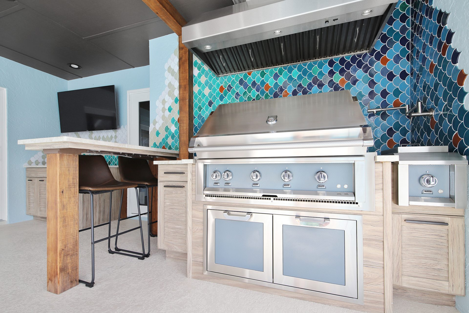 Fish Scale Outdoor Kitchen | Grill
