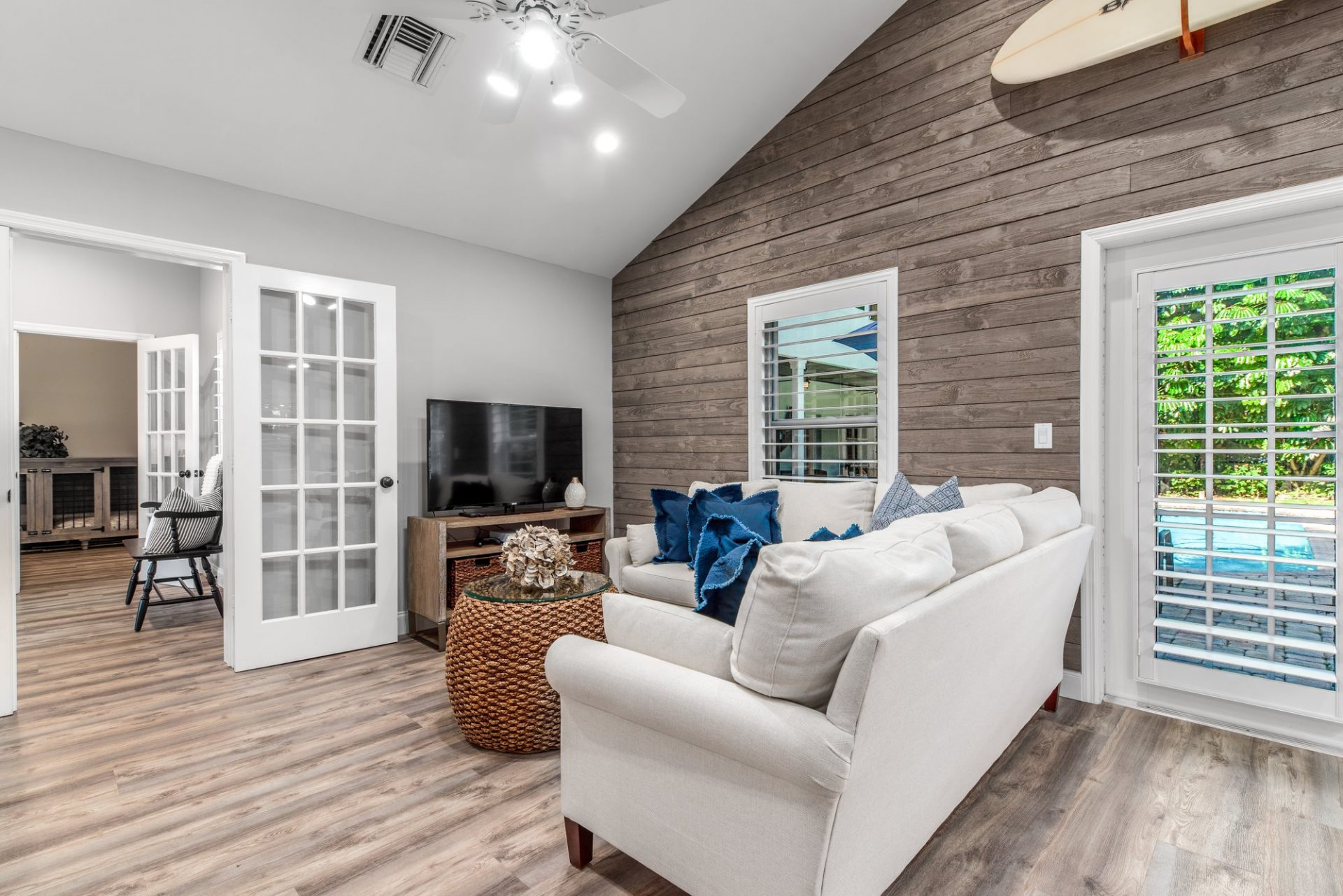 Moody Manor | Family Room