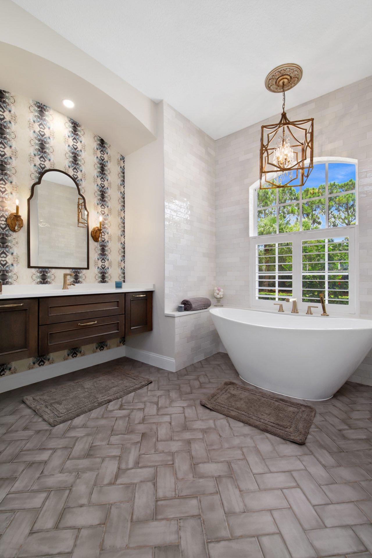 Belle Maison Drive | Master Bathroom