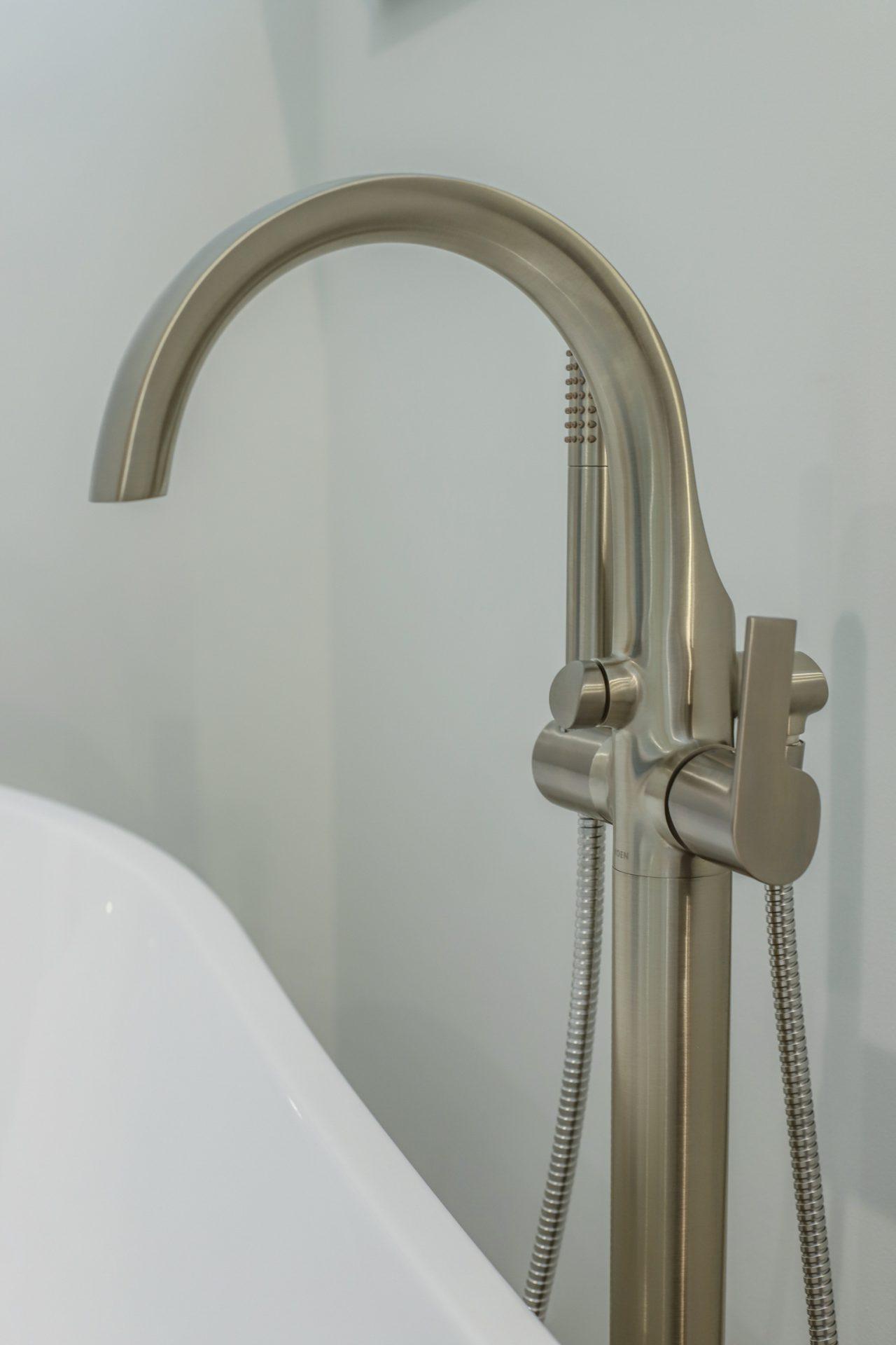 Oakhaven Oasis   Tub Faucet